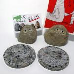 安山岩の「島ふくろう」と花崗岩のコースター
