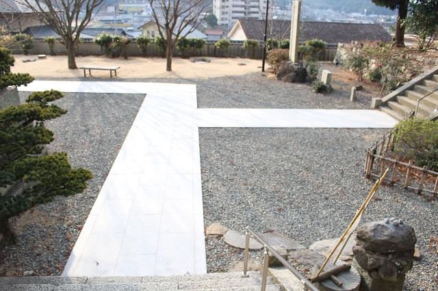 宝生院の通路および階段の製作・施工