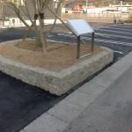小豆島石(花崗岩)で雑割石の囲いを制作・施工致しました。