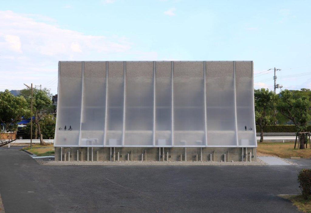 建築家・中山英之氏設計の公共トイレ「石の島の石」の制作を手伝いました。